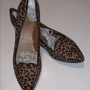Gorgeous leopard print Merona flats women